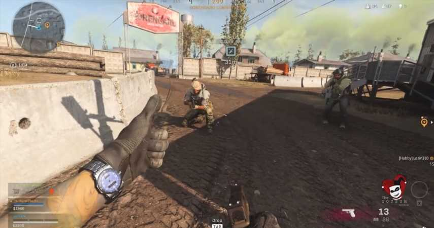 Call Of Duty: Warzone Squad Feels Bad For Lone Survivor, Drops Armor Plates To Cheer Him Up