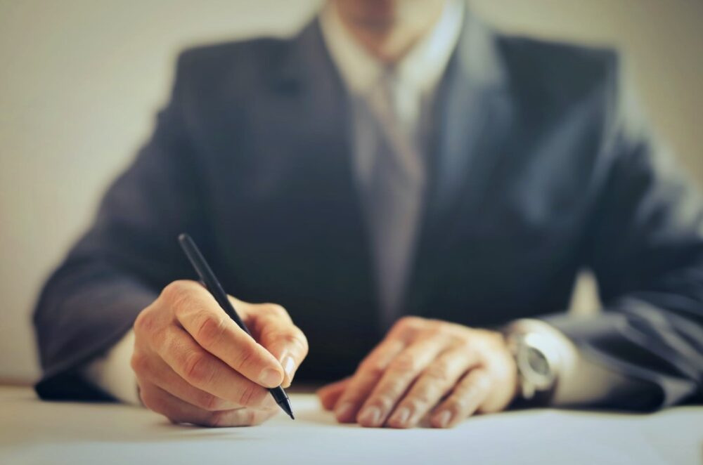 What Are the Key Features of a Successful Lawyer?