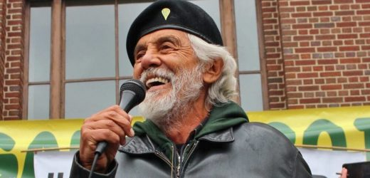 9 Surprising Facts About the Legendary Tommy Chong