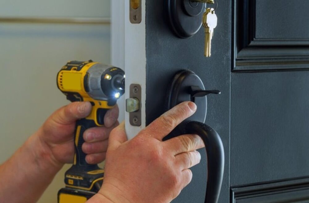5 Things To Know Before You Change the Locks on Your Doors