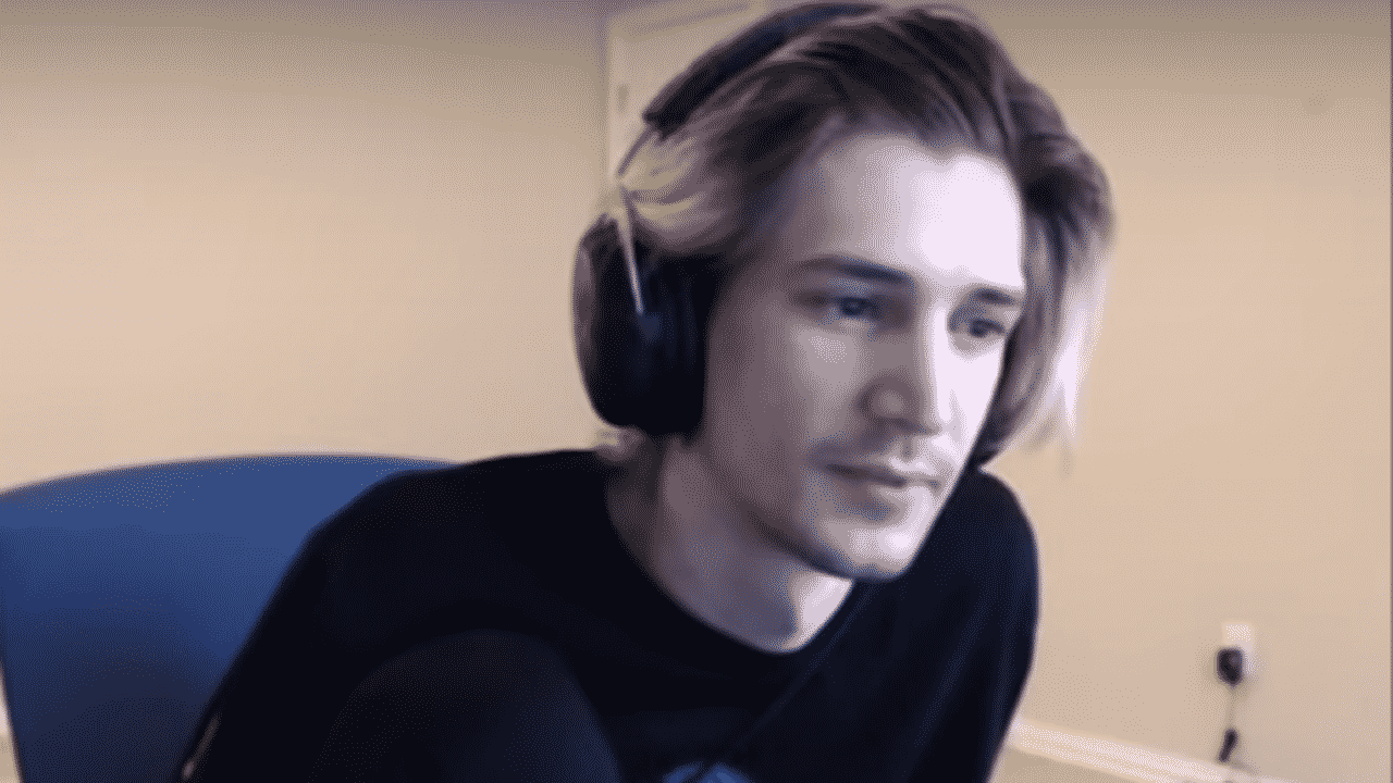 xQc Roasts Competitive Fortnite In Viral Clip