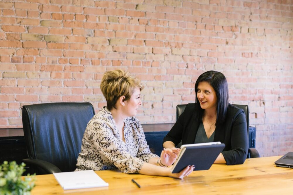 Simplifying HR Processes With A Payroll Software