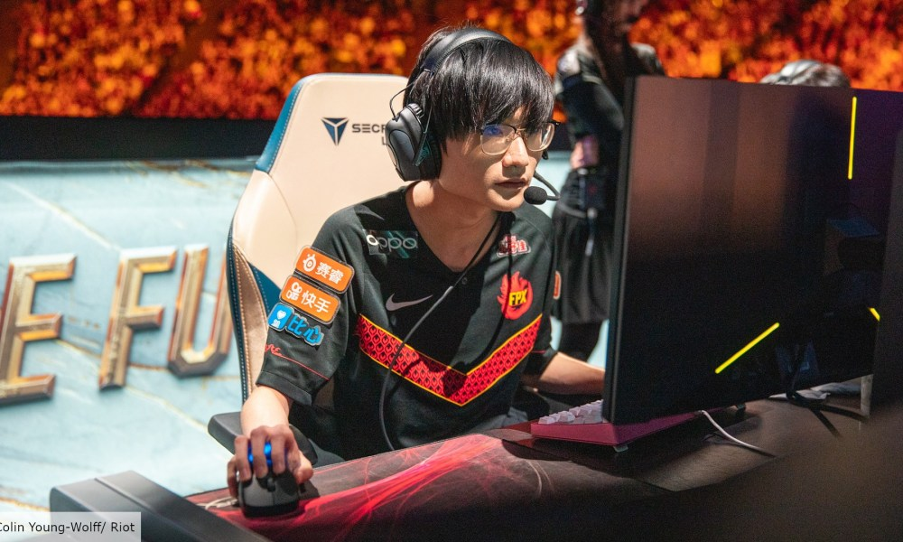 FPX Jungler and World Champion 'Tian' takes a break from competition