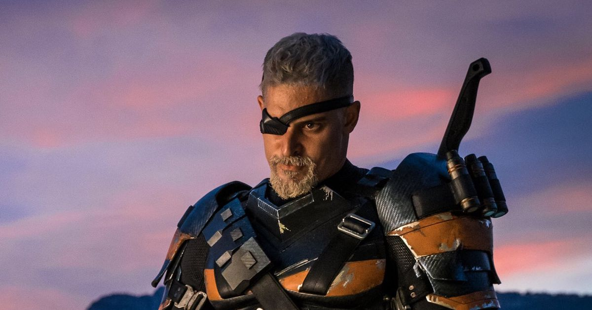 Deathstroke really sports a Halo emblem in Zack Snyder's Justice League