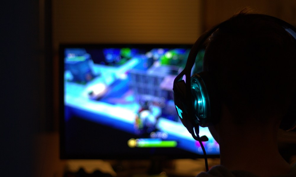 7 Best Games to Make Money as a Pro Gamer in 2021