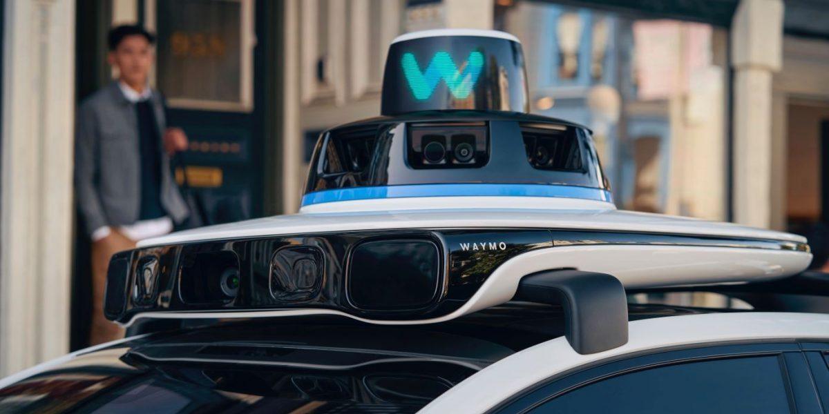 Waymo's leadership shift spotlights self-driving car challenges