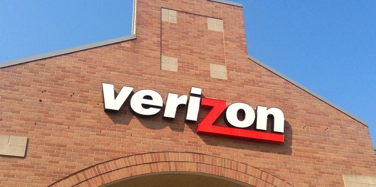 How Verizon delivers a 'phygital' customer experience with data, AI